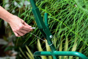 Potwheelz landscape hand truck quick and easy assembly for home gardeners allows easy storage.